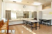 facility_pop01_03_p02